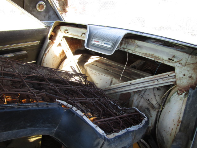 1966 Plymouth Sport Fury (12)