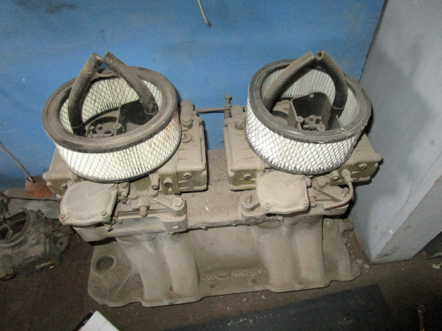 Chevy BB Oval Port Tunnel Ram with carbs (1)