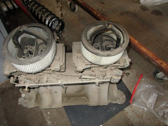 Chevy BB Oval Port Tunnel Ram with carbs (2)